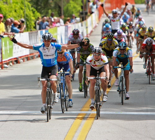 Henderson Wins the Sprint, (c) Ken Conley
