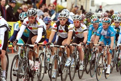 Mark Cavendish in the Peloton on the First Lap - (c) Ken Conley